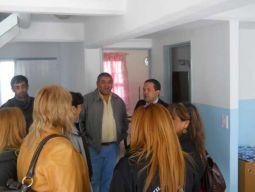 El presidente de la Comisión Nº 5 de la Legislatura Provincial, legislador Luis del Valle Velázquez, visitó al pequeño hogar de adolescentes y mujeres, Centro Infantil Integrado de la ciudad de Río Grande. De la visita tomó parte también el ministro de Desarrollo Social Sergio Álvarez.