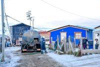 La Municipalidad de Ushuaia intensifica la distribución de leña y agua a los barrios