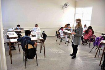 Docentes privados reclaman el pago del porcentaje del Estado y de cada colegio