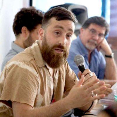 """El proyecto de Caparrós """"sirve para visibilizar la Causa Malvinas"""""""